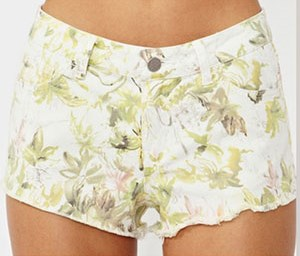 SummerMusthaves-nastygal