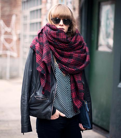 scarf-LisaDengler