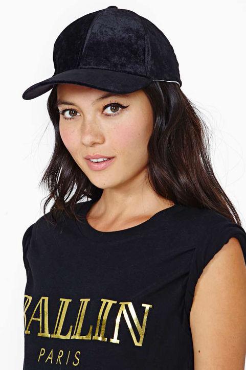 fashionistagifts-velvet-cap